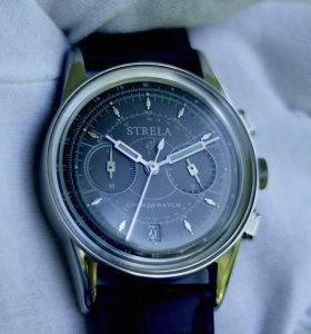 Strela-watch-by-univaque-black-classic-bild2